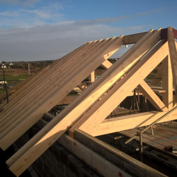 New Roof takes Shape